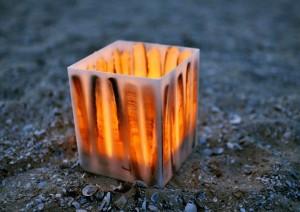 Windlicht kubus met scheermessen